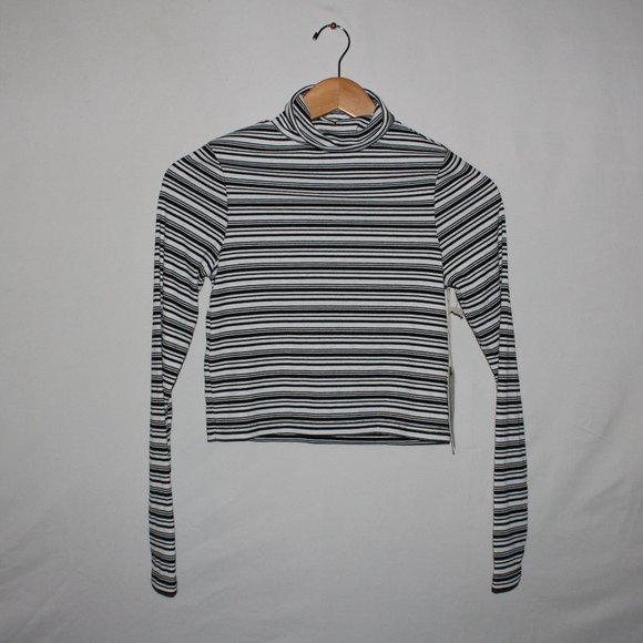 SHIRTS 2/$20! NWT Harlow Crop Turtle Neck Stripes
